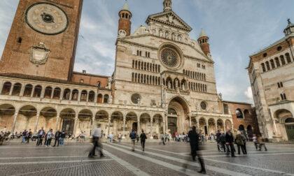 Cremona: violino, Torrazzo, torrone e...