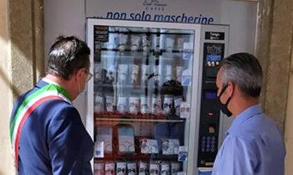 Intanto distributori automatici di mascherine spuntano come funghi in Piemonte e Veneto