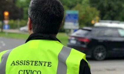"""Assistenti civici per rispettare il distanziamento sociale, il sindacato di Polizia: """"Una buffonata"""""""