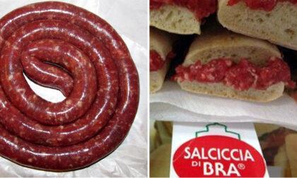 """La famosa salsiccia di Bra? Sofisticata! """"Daspo"""" per cinque macellai"""