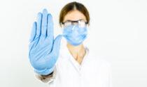 Stretta sui sanitari non vaccinati: ora secondo richiamo, poi sospensione