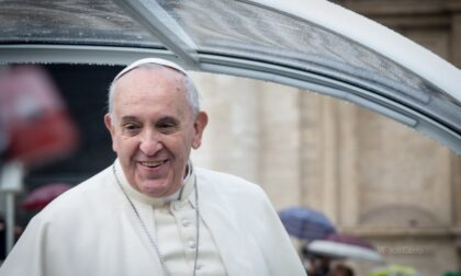 "Papa Francesco: ""Vaccini strumento essenziale: presto nei Paesi poveri"""