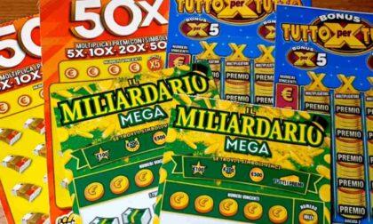 Vince 500mila euro al Gratta e vinci, tabaccaio le ruba il biglietto e scappa
