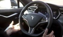 Il pilota automatico non funziona e la Tesla va a sbattere: aperta indagine