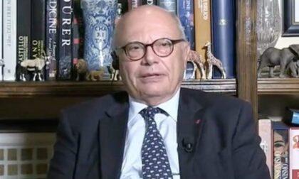 """Massimo Galli va in pensione: """"Ma resto medico e ricercatore"""". Il sogno di un romanzo"""