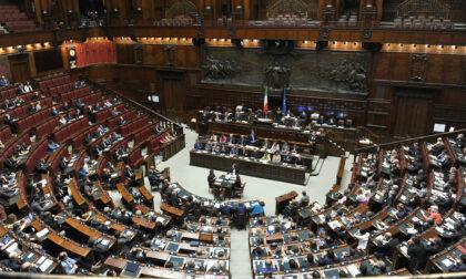 Green pass obbligatorio per concerti, ristoranti e biblioteche. Ma in Parlamento no...