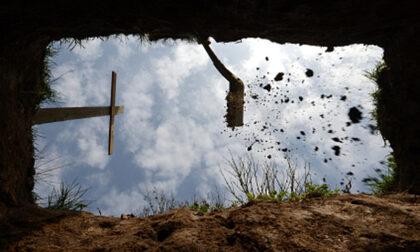 Profanate le tombe di due nomadi sinti: rubati gioielli e ori