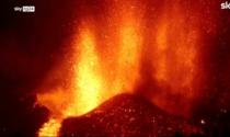 Le spettacolari immagini dell'eruzione vulcanica alle Canarie