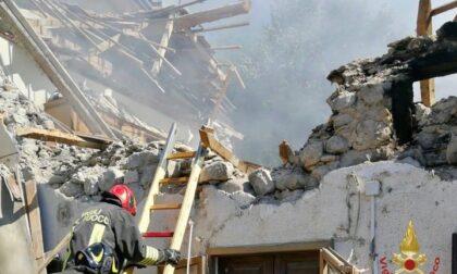 Esplode una casa a Pontremoli, morto un anziano