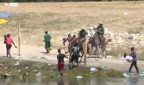 Migranti frustati alla frontiera Usa-Messico: video shock indigna il mondo