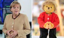 Una Merkel-orsacchiotto celebra la fine del mandato della cancelliera. Ma a lei piacerà?
