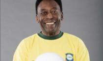 """Pelé operato per sospetto tumore: """"Affronterò questa partita col sorriso"""""""