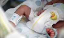 Anche un neonato in terapia intensiva per Covid: trasmesso nella gravidanza