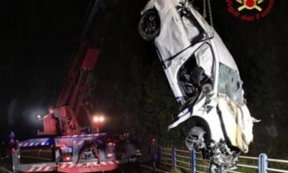 Notte di sangue: sedicenne travolta da un treno, quattro ventenni morti in incidenti, cinquantenne ucciso da un pirata