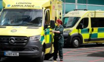 Niente Green pass e mascherine, Inghilterra al primo posto per contagi al mondo: collasso Pronto soccorso