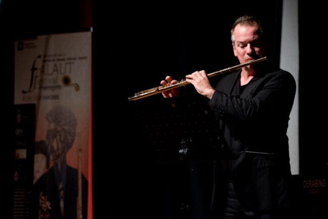 il Maestro Emanuel Paud nel concerto di chiusura del Falaut Festival a Mandello del Lario