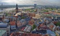 La Lettonia torna in lockdown: solo metà della popolazione è vaccinata