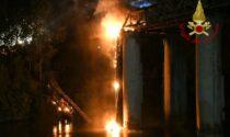 Roma:  Ponte di ferro brucia sul Tevere. Il video dell'incendio