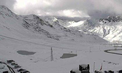 La prima neve dell'anno sulle Alpi